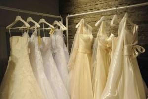 Viva al Sposa é il negozio di abiti da sposa a Siena di Ilaria e Camilla. Offre noleggio e wedding coach, la consulenza per la sposa a 360°