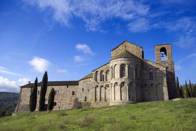 Il Castello di Romena si trova in Toscana e ospita il Museo delle Armi