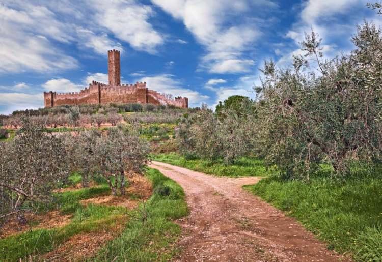Castello di Montecchio Vesponi a Castiglion fiorentino in Val di Chiana