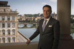 Intervista a Valentino Bertolini, Direttore Generale dei hotel lusso 5 stelle Superior St Regis Firenze e dell' hotel 5 stelle Westin Excelsior Firenze