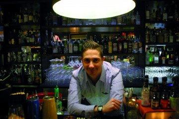 Jacopo Rosito è il capo barman del bar dell'hotel Four Seasons di Firenze