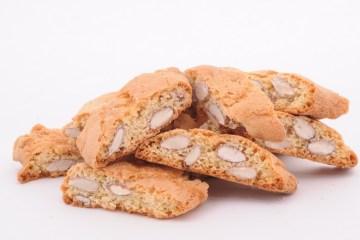 I cantucci Fratelli Lunardi rappresentano un'eccellenza toscana nella pasticceria secca. Biscotto tenero e goloso per uso quotidiano si presenta in 7 gusti