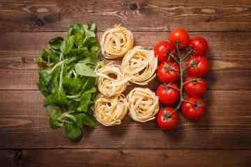 """Il 6-7-8/3/15 al cinema Oden di Firenze, si tiene il festival cinematografico """"Tutti nello stesso piatto"""" dedicato al cibo e alla sostenibilità alimentare"""
