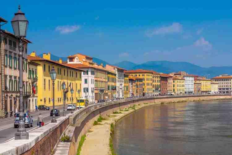 Lung'Arno a Pisa di giorno