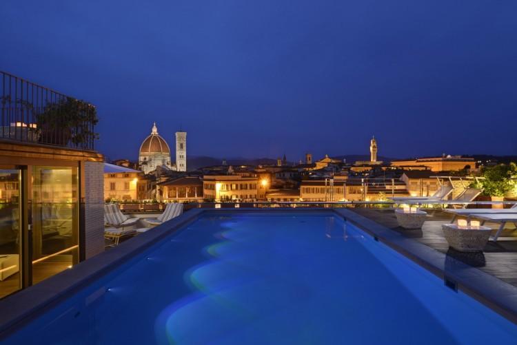 Vista dalla terrazza con Piscina dell'hotel Minerva Firenze
