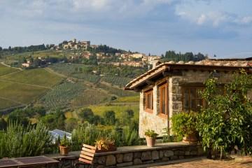 Tre borghi del Chianti, ognuno famoso per una ragione differente: Montefioralle per l'architettura, Panzano per la bistecca e Radda in Chianti per il vino