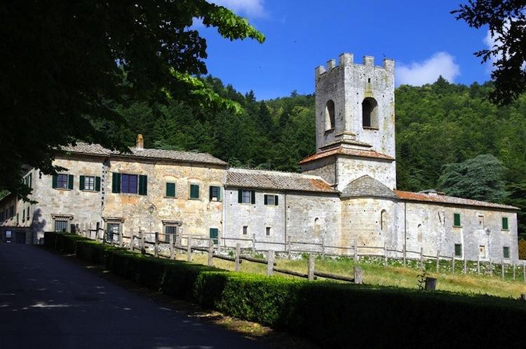 Gaiole in Chianti nel Medioevo era terra di confine tra Firenze e Siena.Molti dei castelli e delle fortificazioni di allora sono diventati oggi luxury hotel