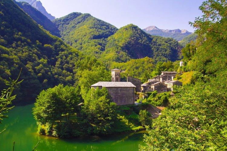 Isola Santa è un piccolo borgo in Garfagnana