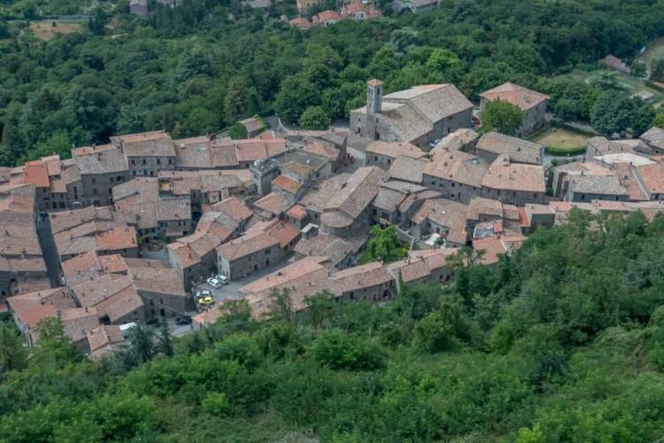 I borghi della Val d'Orcia, in provincia di Siena, insieme alla Val d'Orcia sono stati riconosciuti come Patrimonio dell'Umanità dall'UNESCO