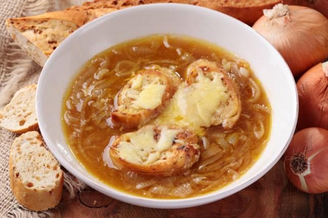 Risultati immagini per zuppa di cipolle