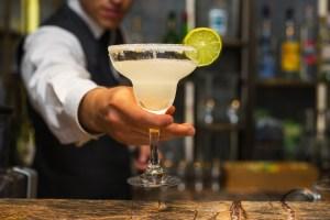 I migliori American Bar di Firenze, locali dalle atmosfere intime e suggestive diretti dai più bravi bartender e mixologist del capoluogo toscano