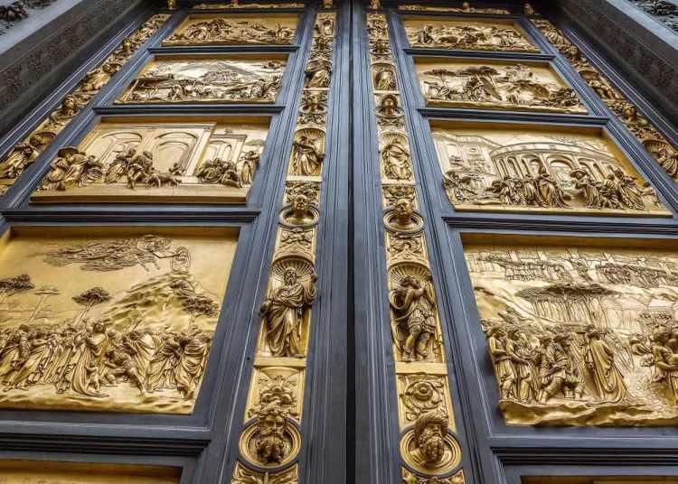 La porta del Paradiso del Battistero di Firenze, realizzata da Lorenzo Ghiberti