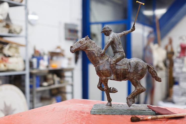 La Fonderia d'Arte Del Giudice Leonardo si trova nel Chianti. Aperta nel 1974 è oggi un laboratorio di scultura, punto di riferimento per grandi artisti.