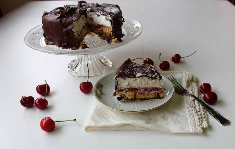 La Torta Fedora è una tipica torta fiorentina