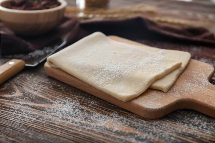 Pasta sfoglia per preparare la Torta Fedora