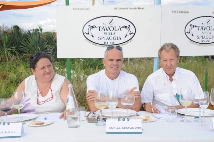 A tavola sulla spiaggia 2016, XXIV edizione, si svolgerà giovedì 25 e venerdì 26 agosto.