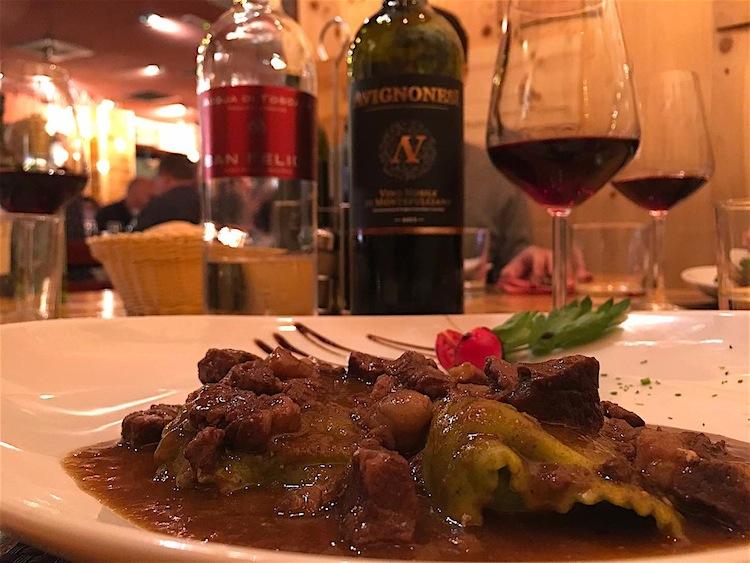 Dal 2009 lo chef Belpiero dirige la cucina della Trattoria dall'Oste che ha fatto della bistecca e della cucina toscana la sua arma vincente