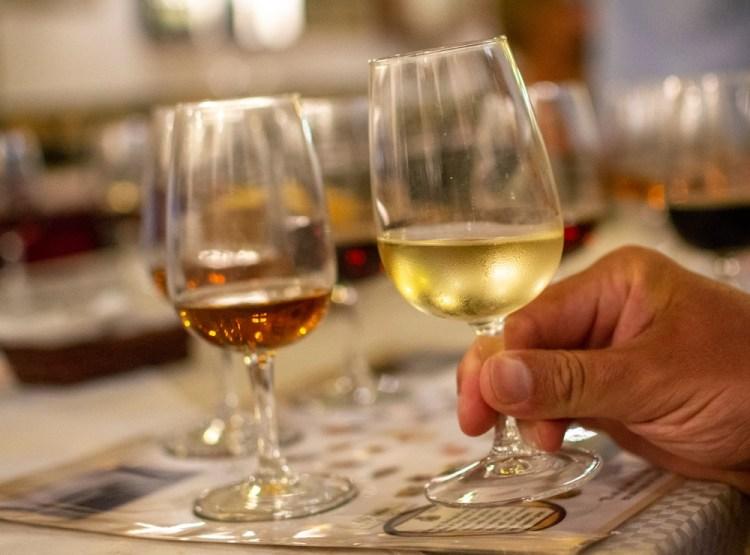 Guida ai migliori vini dolci toscani