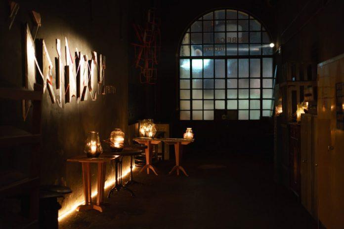 Cene segrete, social dinner, supper club: tanti sono i nomi della nuova moda Food-design&Wine che da New York sta imperversando in Toscana.