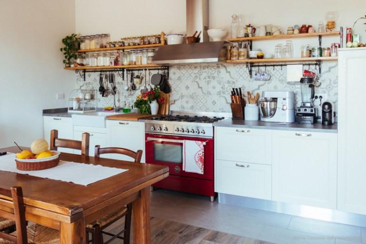 Giulia Scarpaleggia è la fondatrice e food blogger di Jul's Kitchen, uno dei più importanti blog di cucina italiani, nato proprio in Toscana