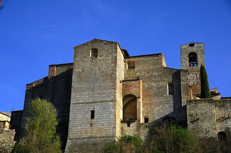 Suggestivo, ricco di storia, terra di arte e mestieri, ma ignorato dal turismo.Colle Val d'Elsa, il borgo da sogno ignorato dai social network