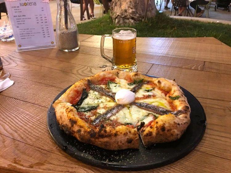 La Buonerìa a Firenze: locale ideale per famiglie dove mangiare la vera pizza napoletana d'autore firmata dal maestro don Antonio Starita