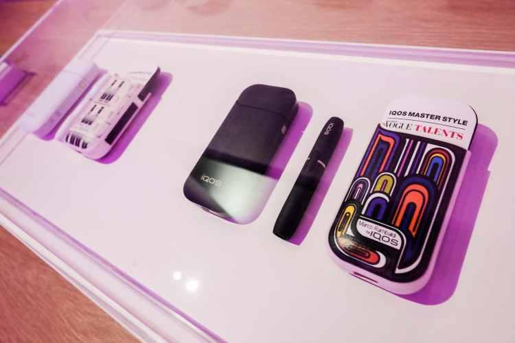 Iqos Boutique concept store dedicato all'innovativo apparato tecnologico smoke free, inaugura con un grande party: special guest Mario Bondi