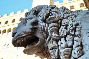 Lorenzo il Magnifico, il simbolo dell'uomo del Rinascimento, nasce a Firenze da Pietro de Medici e Lucrezia Tornabuoni nel 1449