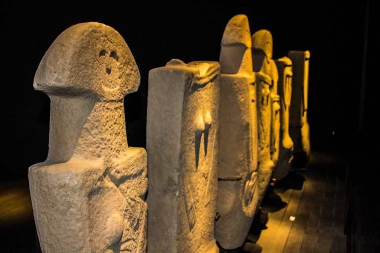 Le misteriose statue stele della Lunigiana