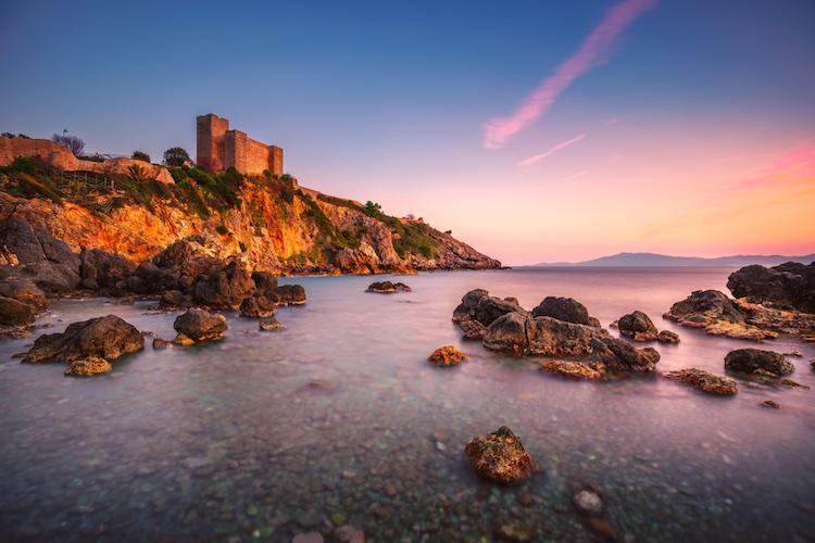 """Talamone è una delle location più romantiche della Toscana dove chiedere """"mi vuoi sposare""""."""