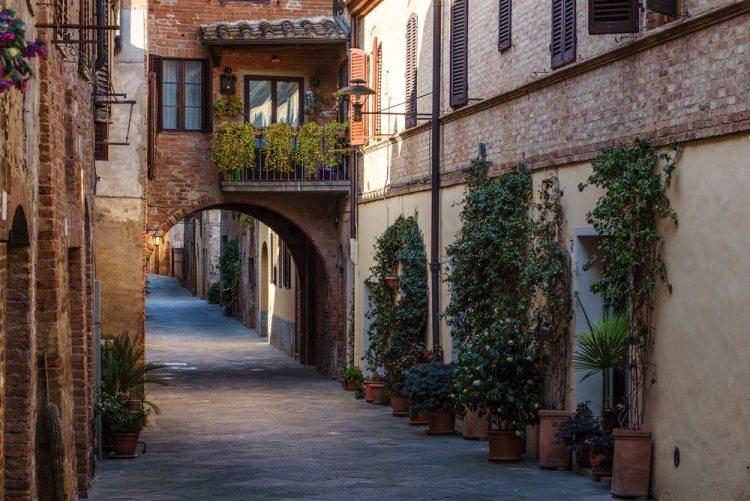 Buonconvento è uno dei borghi in Toscana per matrimonio preferiti dalle coppie