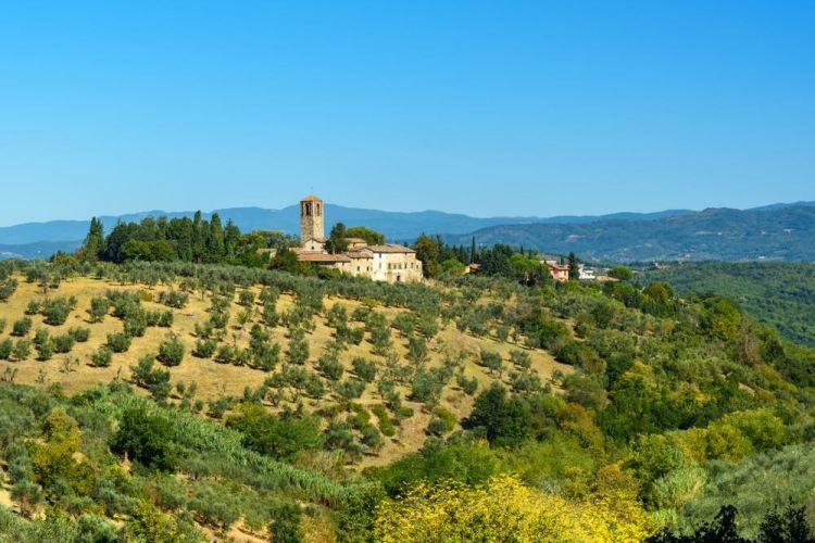 La Pieve di Santa Cecilia si torva nel Chianti vicino a San Casciano in Val di Pesa