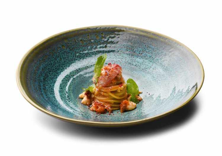 Spaghetti ai gamberi rossi, piatto dell'Executive Chef Andrea Mattei dei ristoranti della Famiglia Vaiani