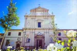 Pico della Mirandola è sepolto nel Convento di San Marco a Firenze