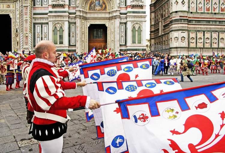 Corteo storico a Firenze prima dello Scoppio del Carro