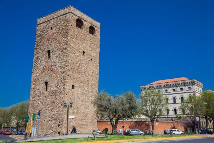 La Torre della Zecca Vecchia era la prima sede dell'Arte del Cambio a Firenze
