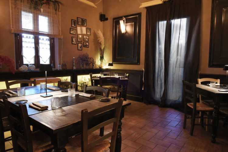 Interno della Locanda Lo Scopiccio, ristorante a Perignano in provincia di Pisa