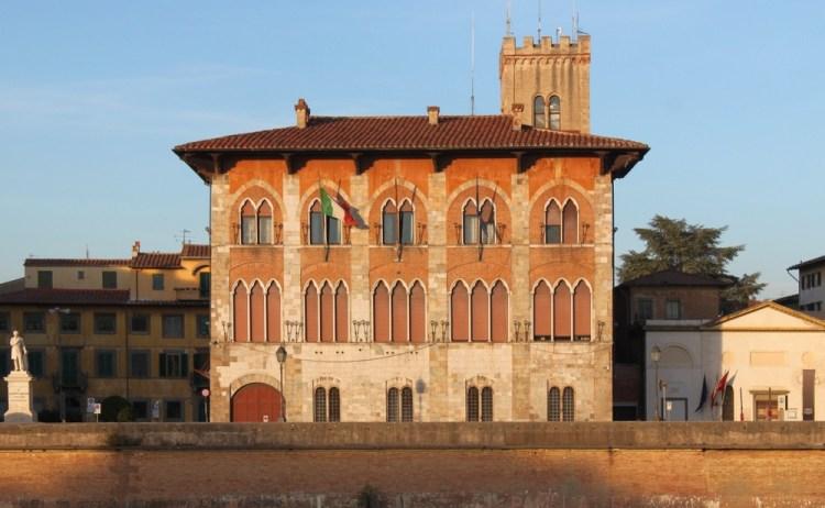 Palazzo Medici a Pisa, è uno degli esempi di gotico pisano