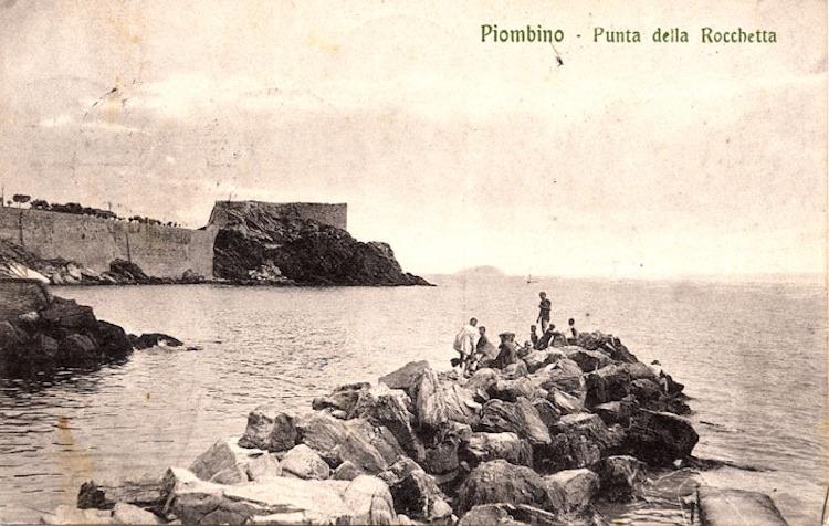 Foto d'epoca dell'antica Rocchetta d Piombino detta Pan di Sapone.