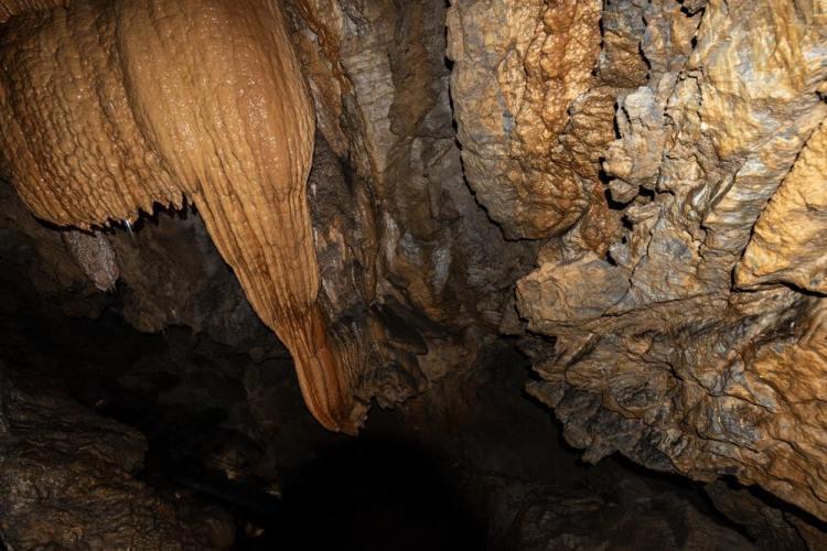 Interno della Grotta del Vento in Garfagnana