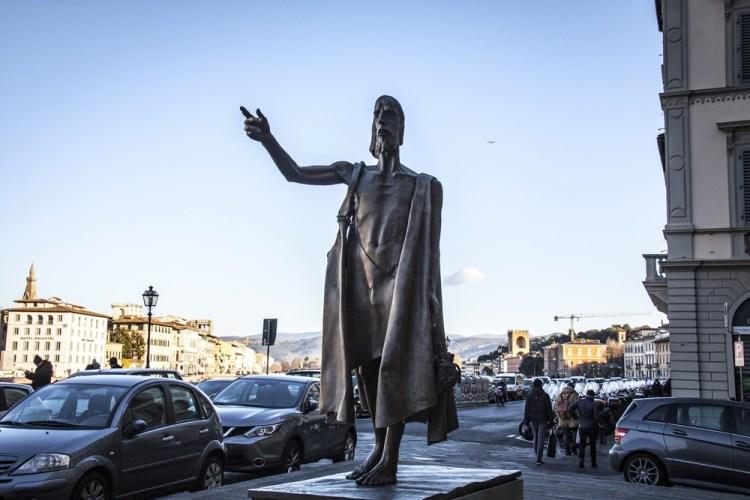 Statua di San Giovanni Battista a Firenze di Giuliano Vangi