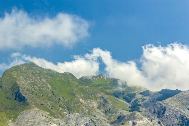 Il Monte Sagro è una montagna toscana sulle Alpi Apuane