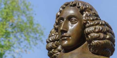 Statua di Spinoza ad Amsterdam