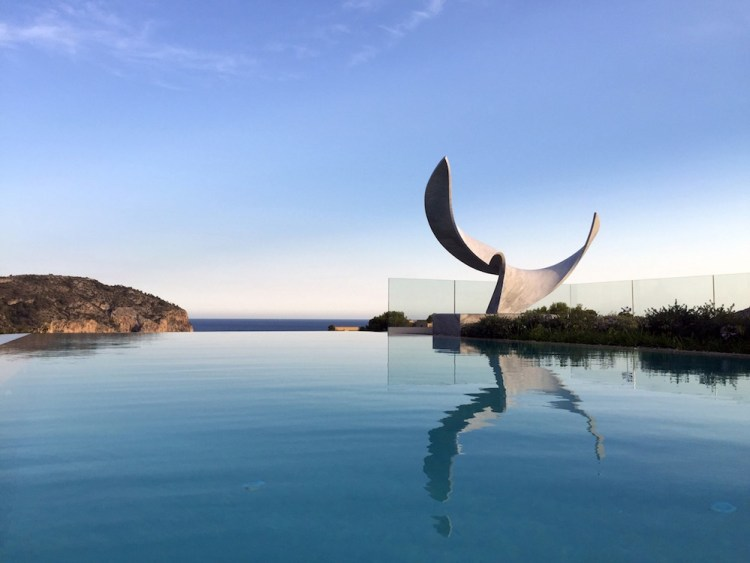 Statua sul mare di Sylvestre Grauvut