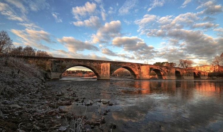 Ponte a Buriano in Valdarno Superiore è quasi certamente il ponte rappresentato da Leonardo nella Gioconda