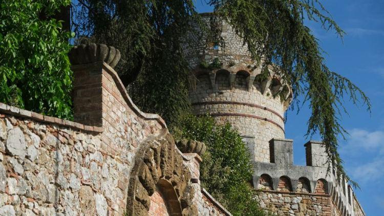 Il castello di Trequanda, borgo delle Crete senesi