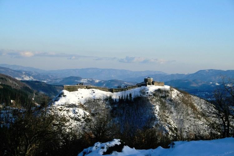 La Fortezza delle Verrucole in Garfagnana sotto la neve