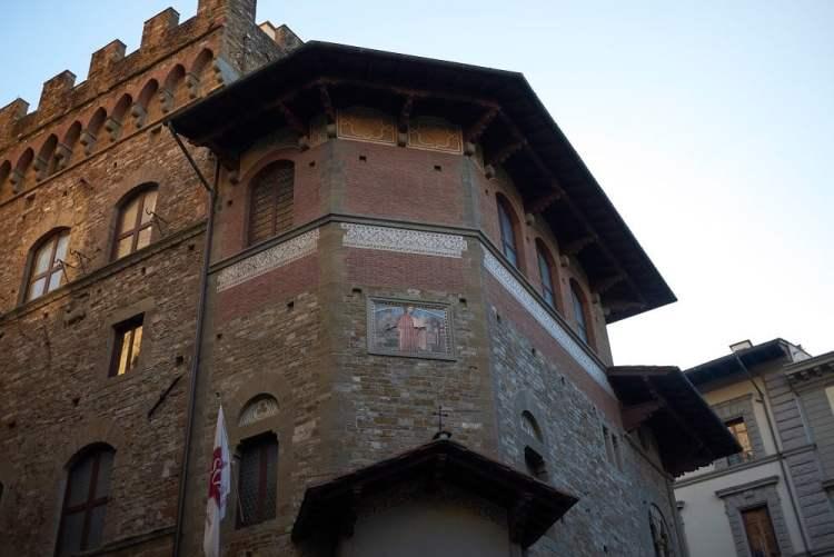 Il Palazzo dell'Arte della Lana a Firenze è oggi sede della Società Dantesca Italiana