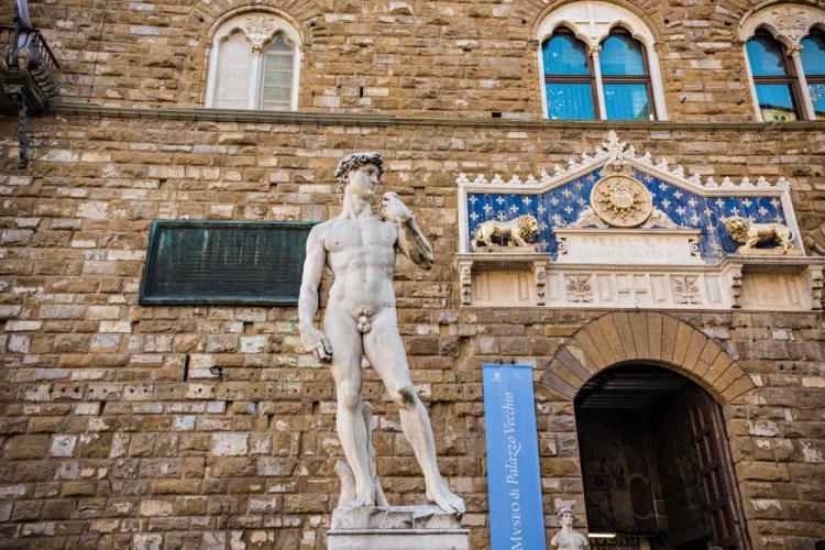 La copia del David di Michelangelo in Piazza Signoria a Firenze