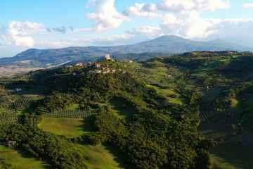 LaRocca a Tentennano nel piccolo borgo di Rocca d'Orcia in Toscana